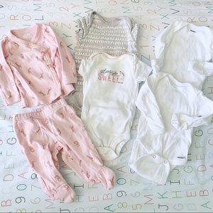 •, Bundle of 6 Baby Girl Giraffe Onesies Bodysuit